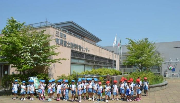 キッピー山のラボでは、幼稚園、保育園、こども園向けのプログラムも展開しています。